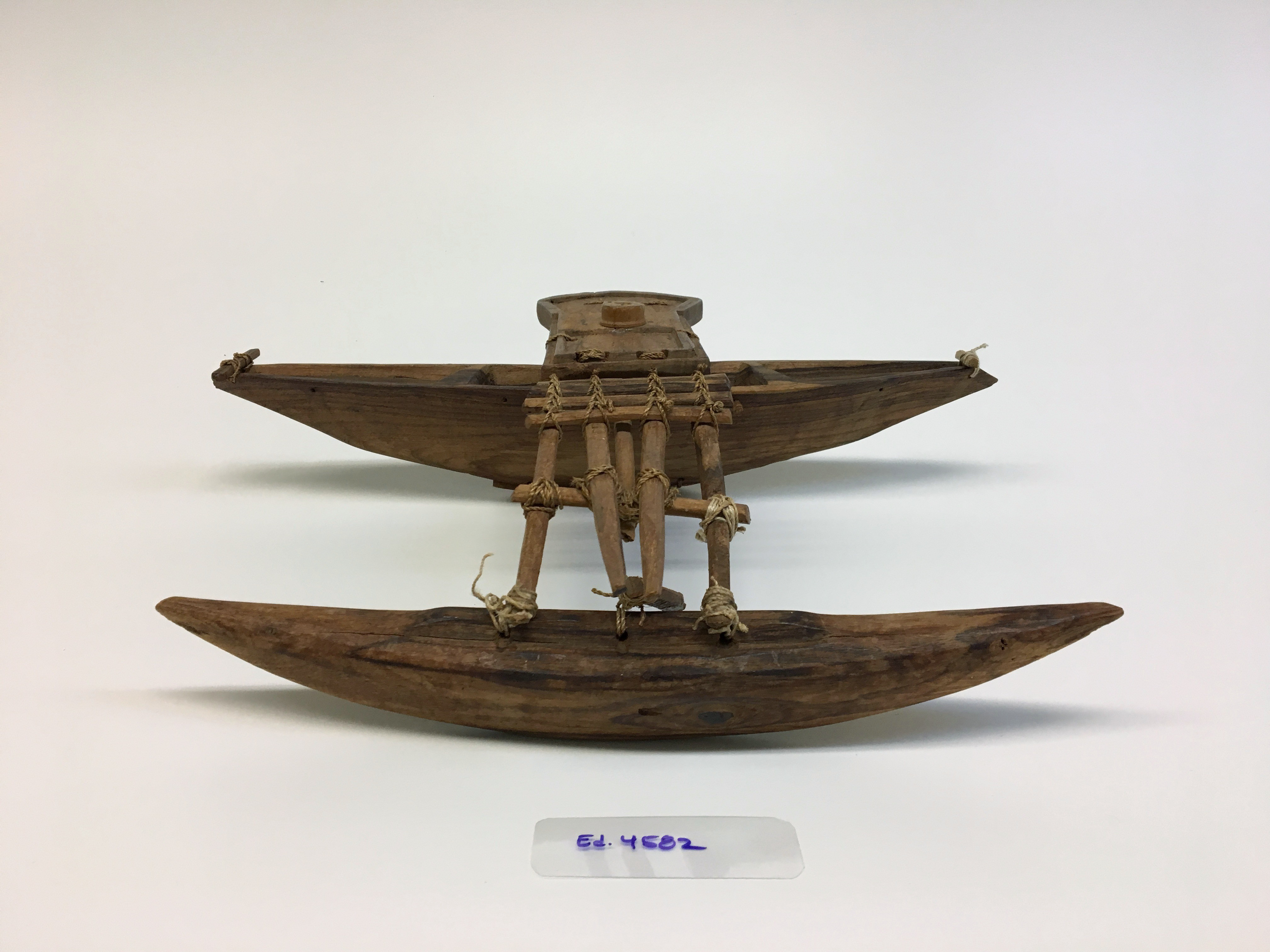 Kainōknōk (canoe model ornament)